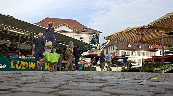 ...und der Wochenmarkt in Landau