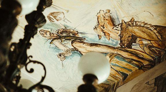 Die meisten Wandmalereien von Slevogt wurden im zweiten Weltkrieg zerstört. Erhalten blieben die Wandmalereien in seiner Bibliothek und dem Musikzimmer.