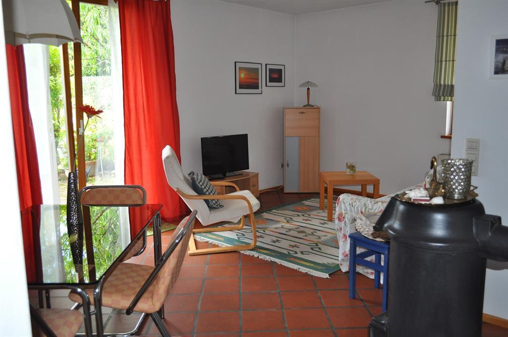 Ferienwohnung Palatium Wohnraum -Terrasse Esstisch