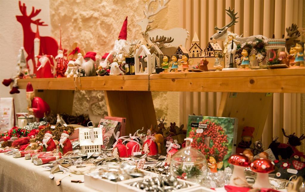 Verkauf von Weihnachtsdekoration