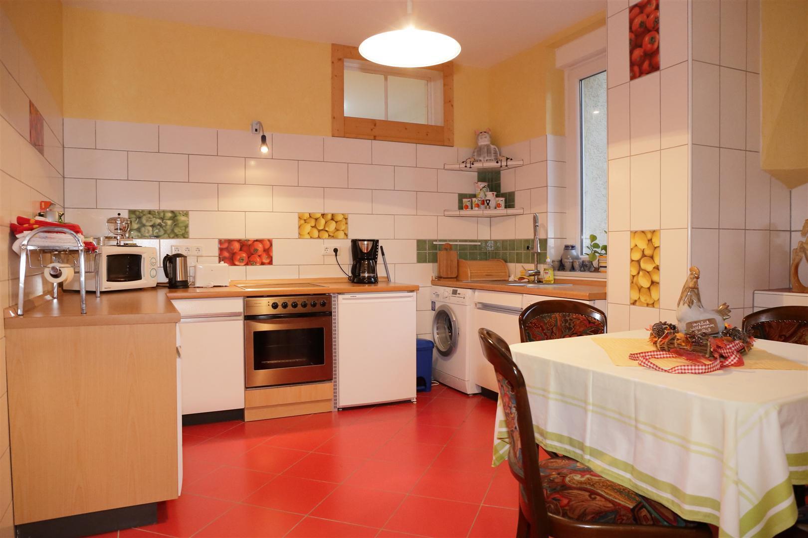 Küche-Gesamtansicht (Groß)