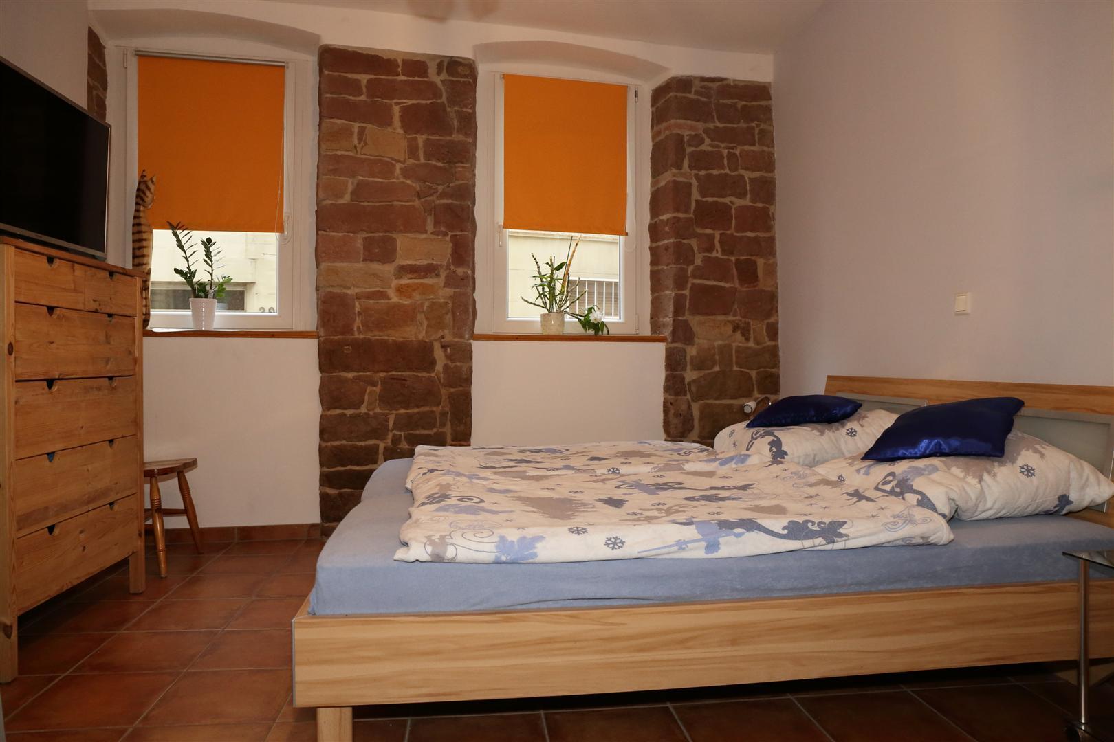 Schlafzimmer-2 (Groß)